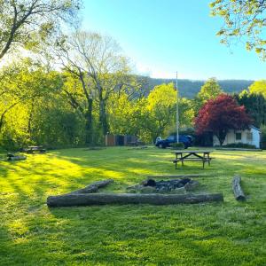 hostel-campground-2-1024x1024